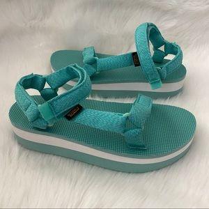 New without box Teva Flatform Universal Sandals 10